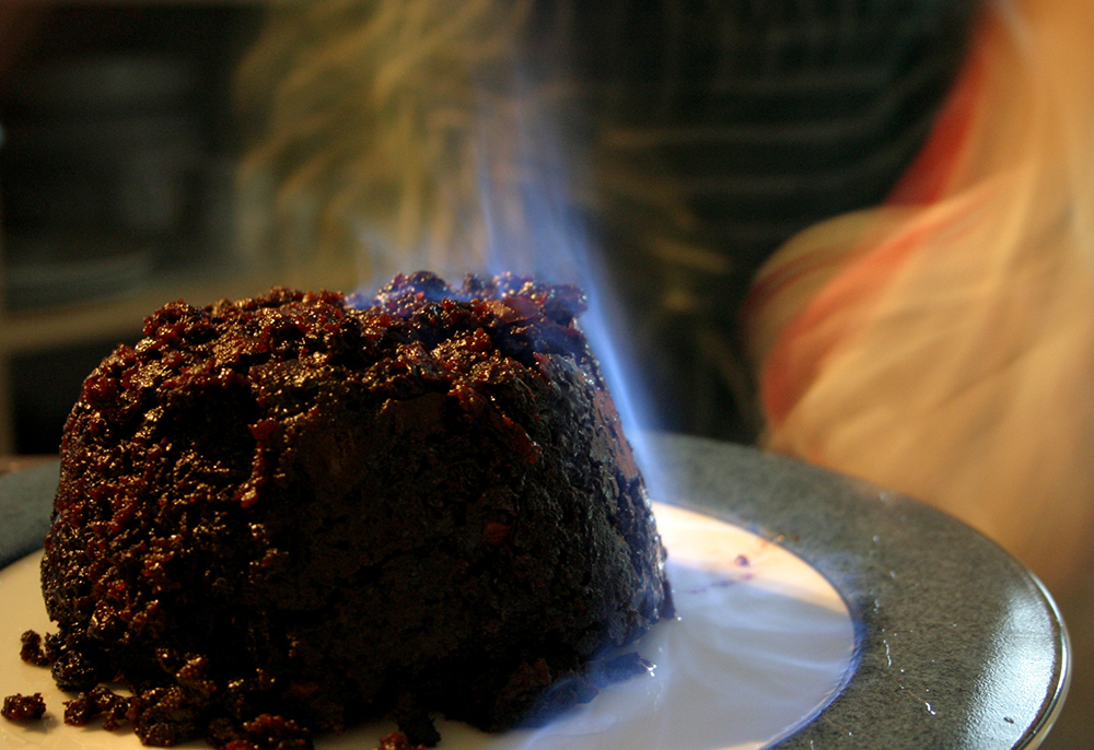 Christmas-pudding-flames (1)