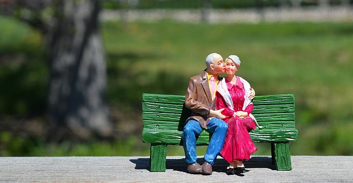 old-couple-w690